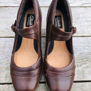 Clarks ARTISAN shoes sz7M